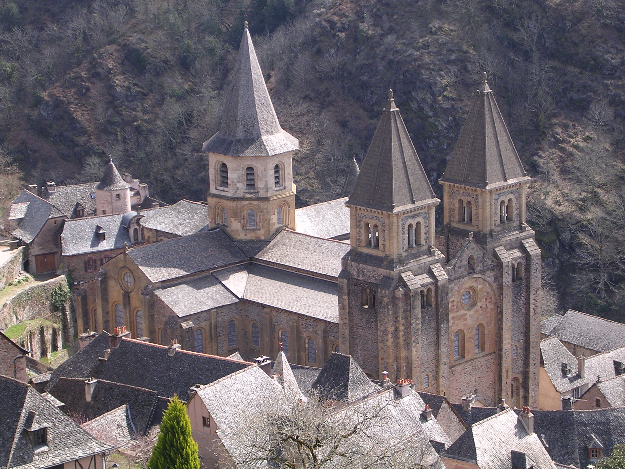 http://sumateologica.files.wordpress.com/2009/12/sainte-foy_de_conques.jpg